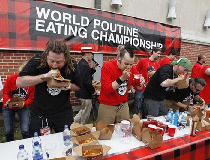 Чемпионат по пожиранию... Путина (4 фото)
