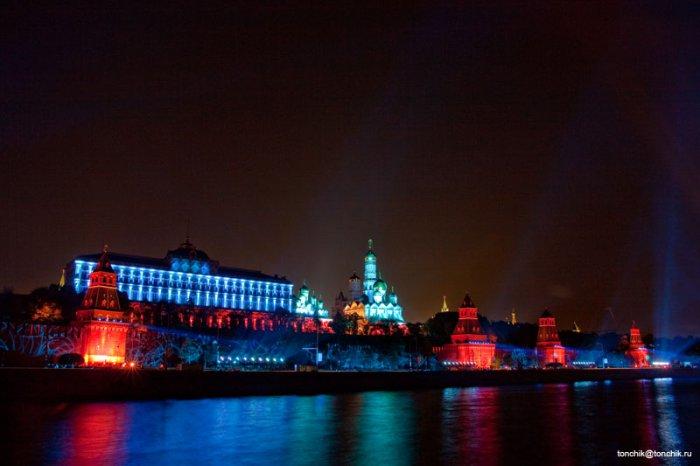 Световая иллюминация Кремля в Москве