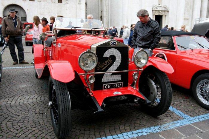 Парад-музей раритетных машин легендарной гонки