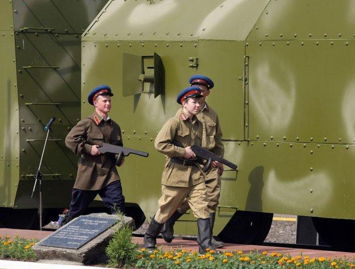 Мемориал славы «Бронепоезд Победы» (10 фото)