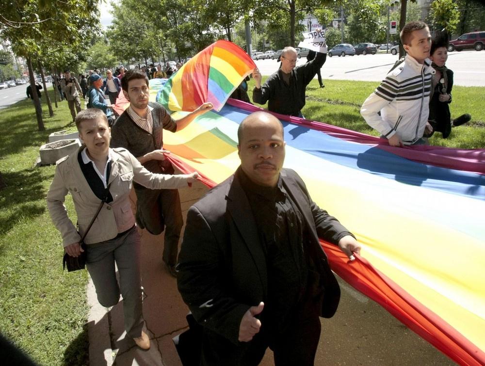 Меньшинств удалось сегодня перехитрить московские власти и т.н. гей