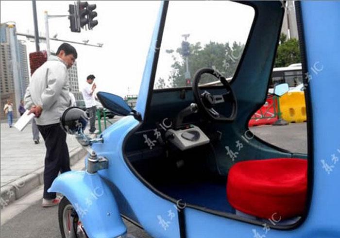 Китаец построил электромобиль (6 фото)