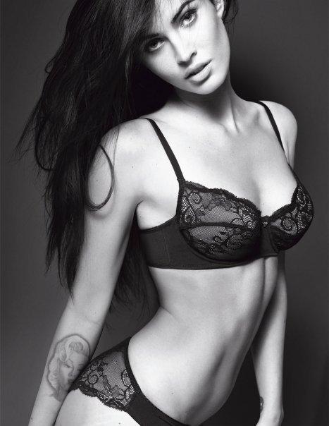 Меган Фокс (Megan Fox) в нижнем белье от Armani (8 фото)