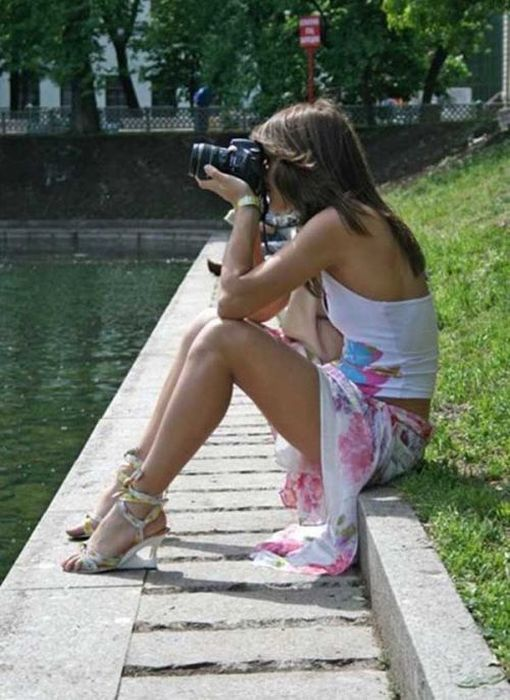 Фото девушек с большой грудью подглядывание