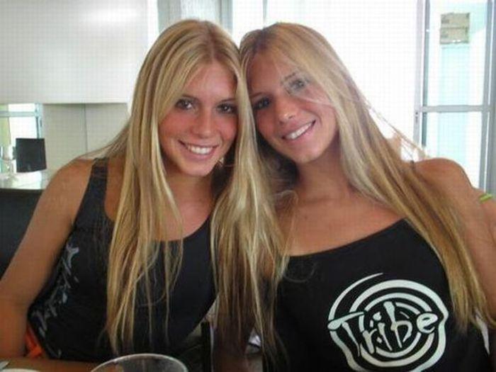 Самое красивое порнос близняшками 23 фотография