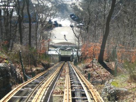 Крутая железная дорога (8 фото)