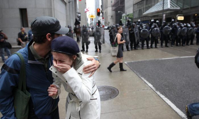 Протесты в торонто 34 фото