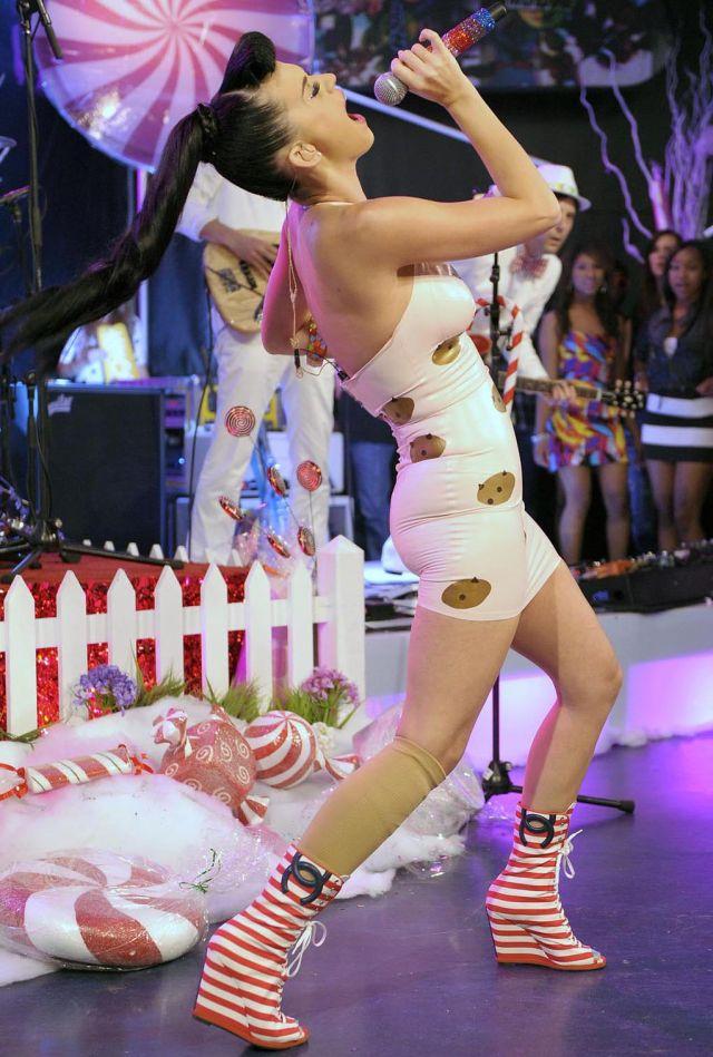 Katy Perry выглядит великолепно (9 фото)