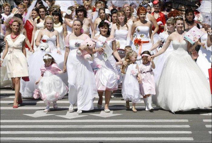 Парад невест в красноярске 8 фото