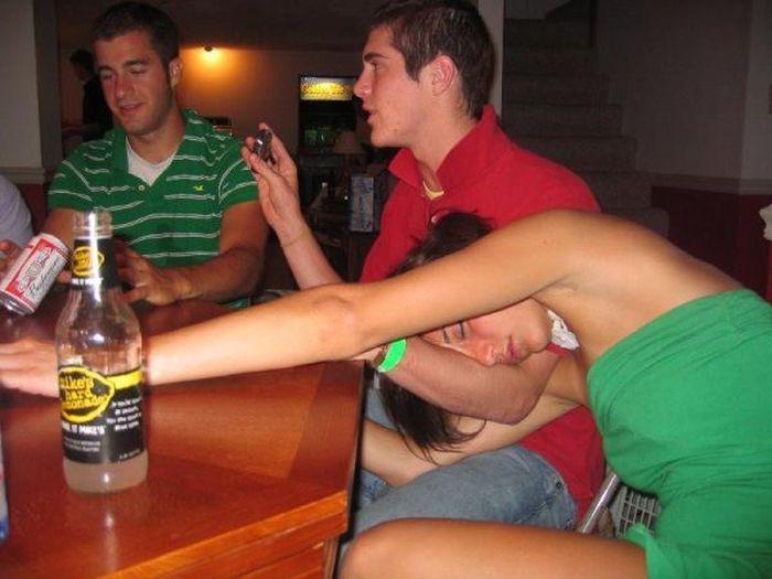 Пьяные женщины трахаються 13 фотография
