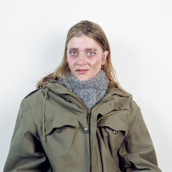 Невероятные перевоплощения женщины (38 фото)