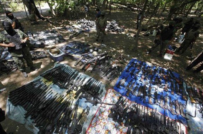 Борьба с наркокортелями в Мексике (30 фото)