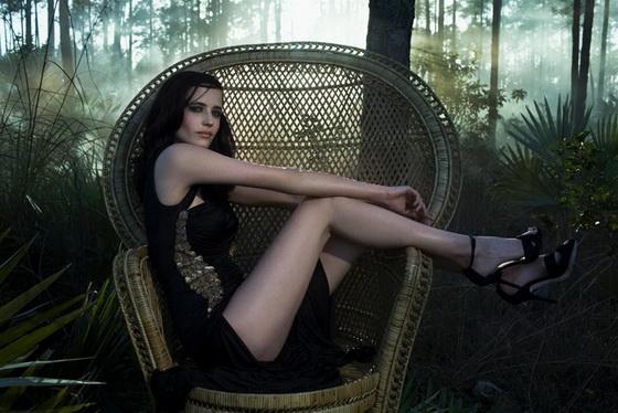 Ева Грин демонстрирует свои ножки