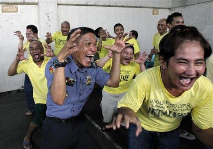 Лечат смехом (13 фото)