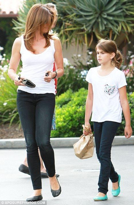 Синди Кроуфорд с дочерью (4 фото)