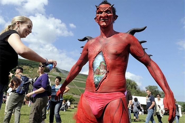 Международный фестиваль боди-арта в Германии (14 фото)