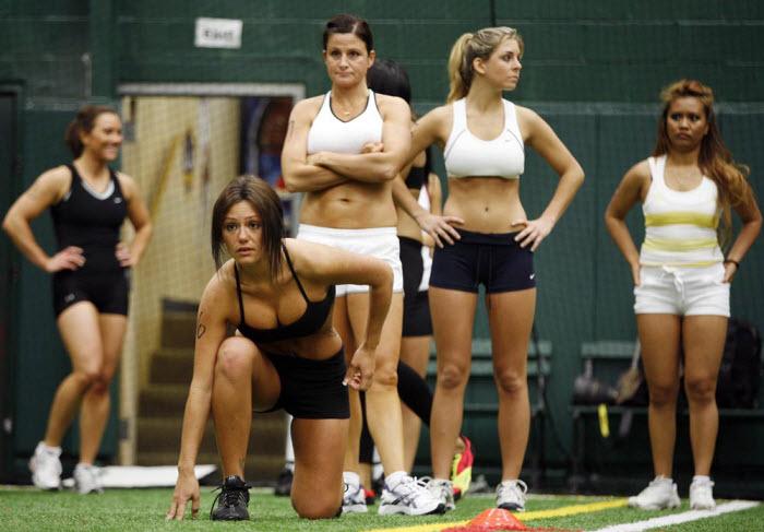 Команда девушек по футболу (12 фото)