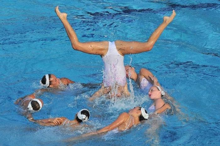 Соревнования по синхронному плаванию (33 фото)