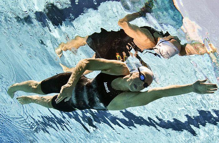Фотографии пловцов под водой
