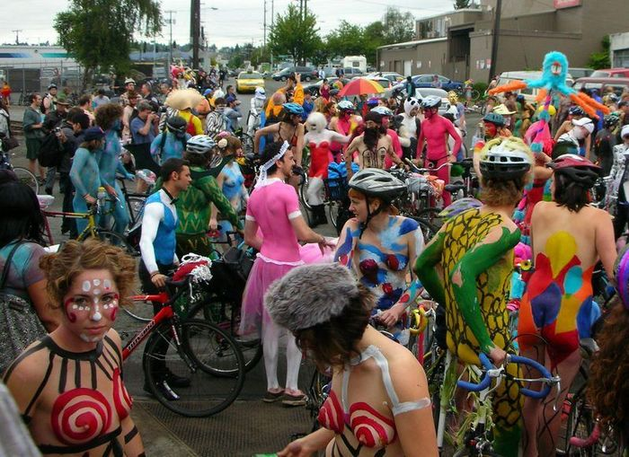����� ���������� London Naked Bike Ride 2010 (83 ����)