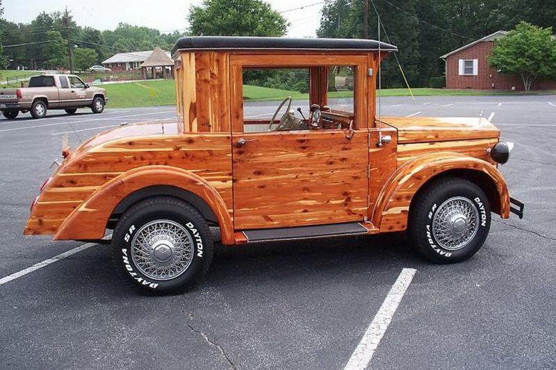 нашему машины из дерева золотой краской