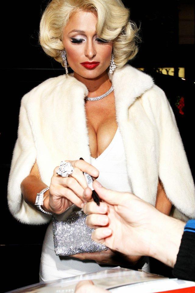 Paris Hilton в образе Мерилин (6 фото)