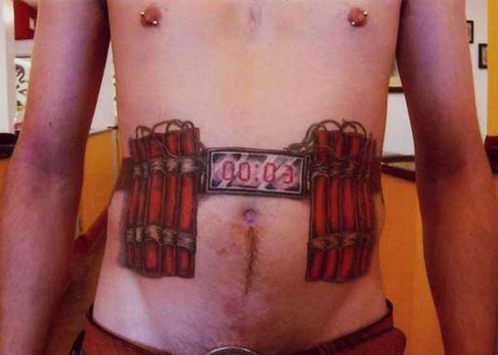 Самые дурацкие тату для аэропорта (9 фото)