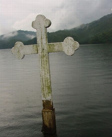 Подводная церковь в Венесуэле (9 фото)
