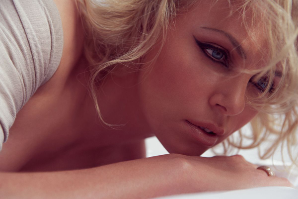 Шарлиз Терон в Elle France