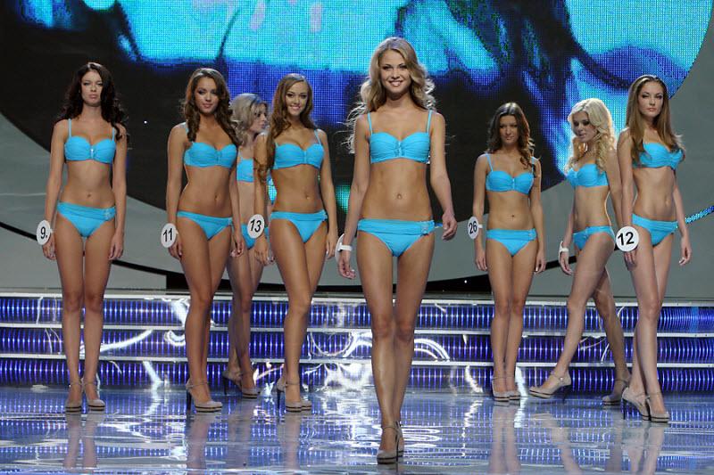 За корону Мисс Украина боролись 26 конкурсанток из разных городов Украины - Мисс Украина-2010 - Екатерина Захарченко
