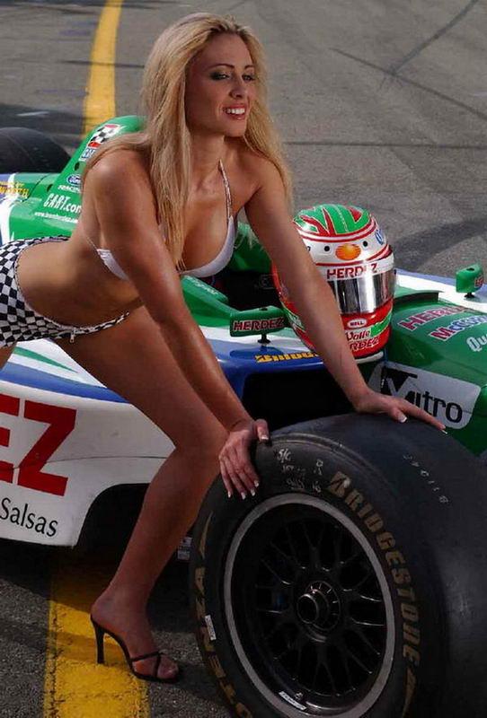 голые на авто гонках фото