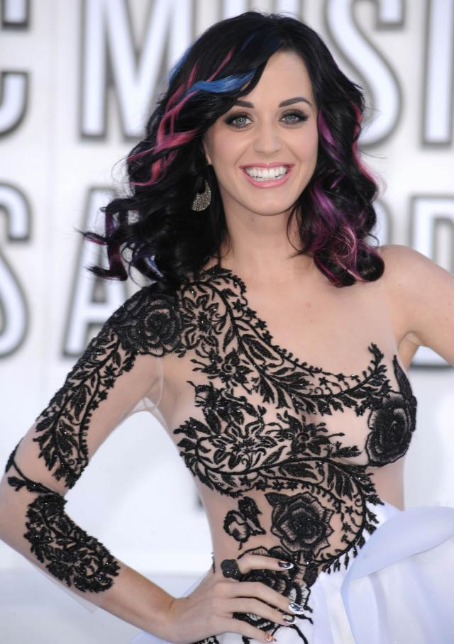 Katy Perry - 2010 MTV Video Music Awards (15 фото)