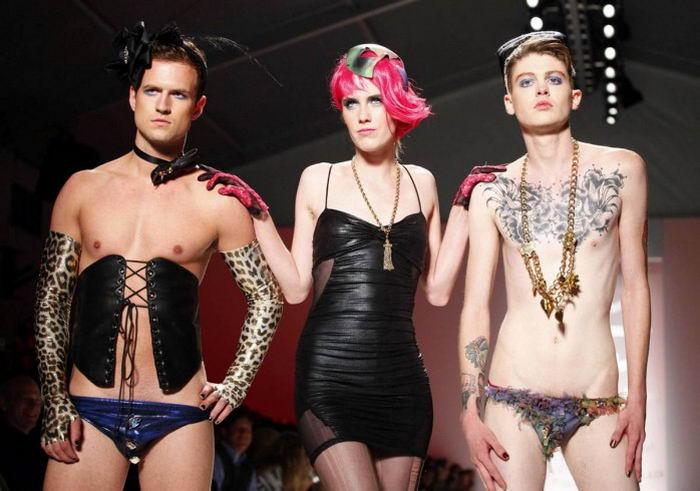 Самые безумные наряды в мире моды (20 фото)