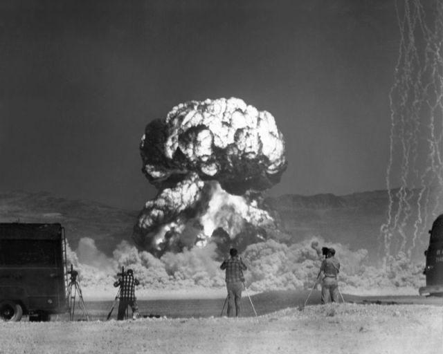 Сила ядерного взрыва (22 фото)