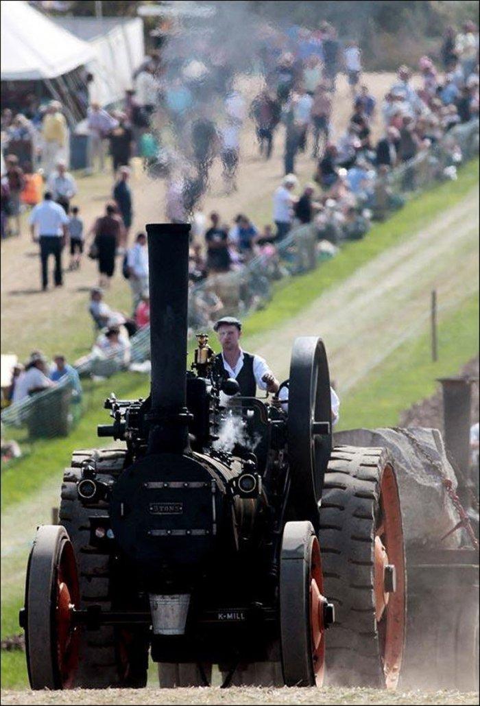 В Великобритании открылась ярмарка паровых машин (8 фото)
