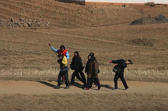 Редкие виды сельской Северной Кореи (13 фото)