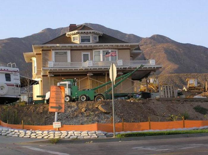 Как перевозят большие дома