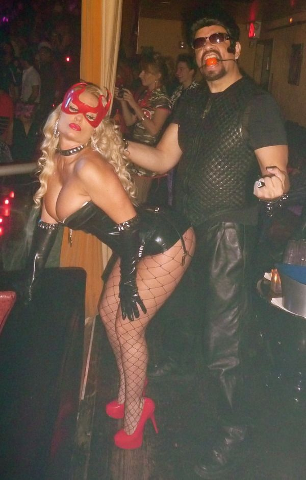 Сексуальные наряды звезд на Хэллоуин (50 фото)