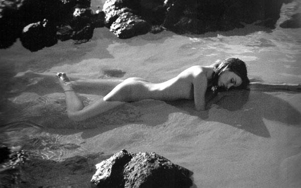 Миранда Керр в фотосессии Рассела Джеймса (17 фото)