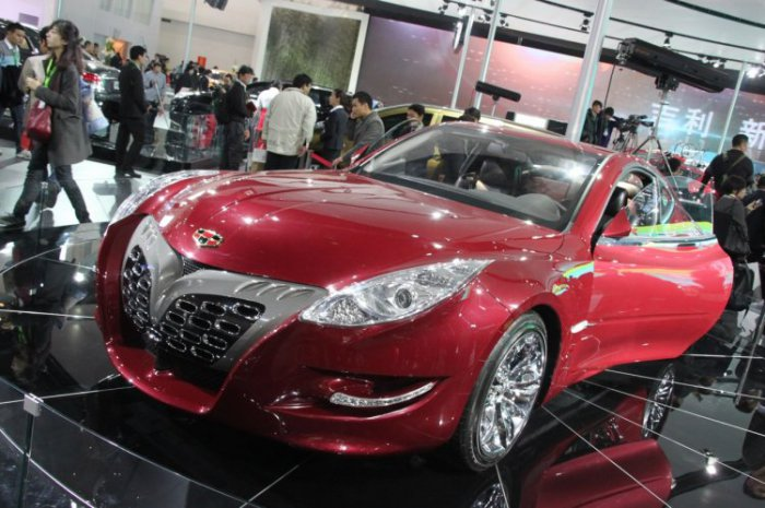Geely Emgrand GT (12 фото)
