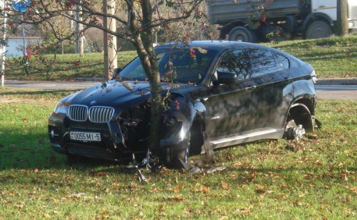 Разбил чужой BMW X6 (7 фото)