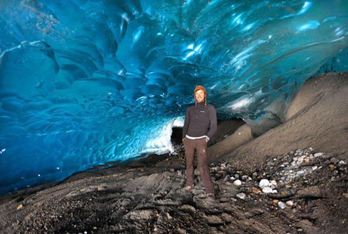 Забытые пещеры в ледниках