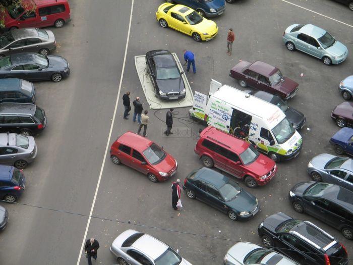 Как моют автомобили в Москве (11 фото)