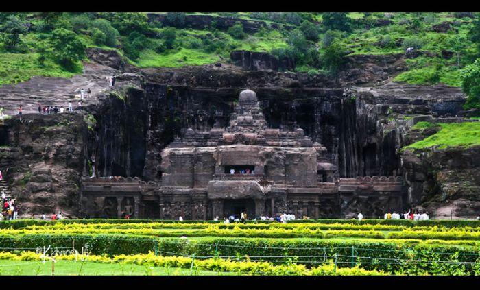 Пещеры в Индии (28 фото)