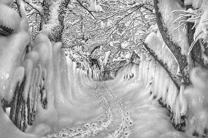 Зима, нарисованная ручкой