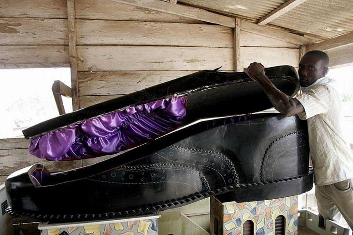 Необычные гробы из Ганы (10 фото)