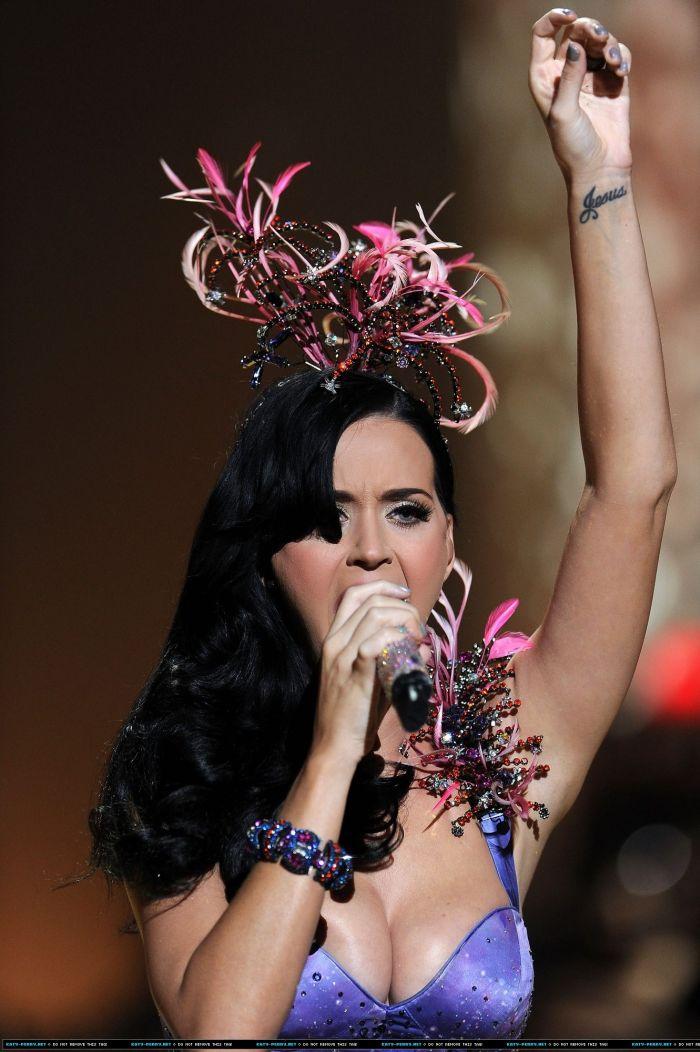 Концерт Кэти Перри (Katy Perry) (13 Фото)
