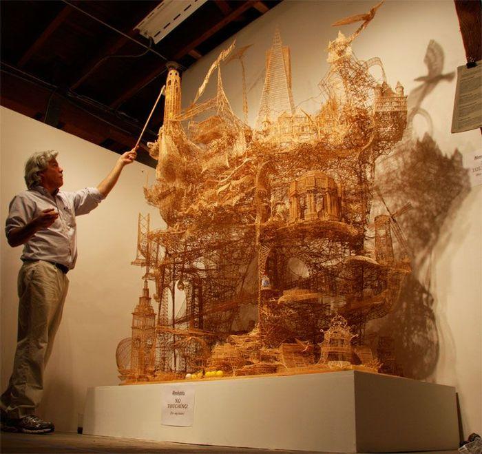 Огромная скульптура из зубочисток (13 фото)