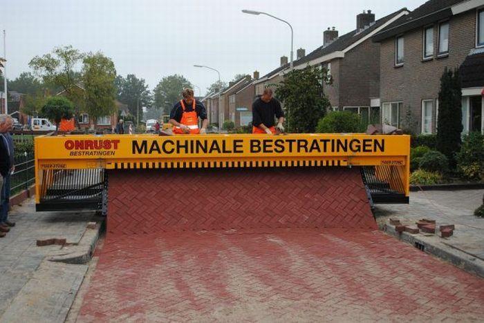 Как делают дороги в Голландии (24 фото)