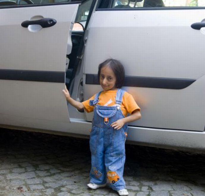 Самая маленькая женщина в мире (8 фото)